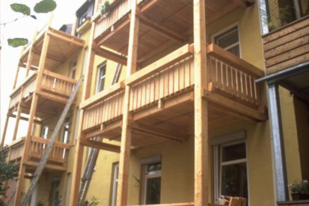 01-winterholz-balkone-in-laerche